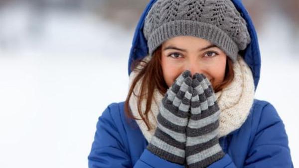 7 أسباب وراء الشعور الدائم بالبرودة