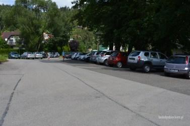 parking przy Zajeździe pod Źródłem