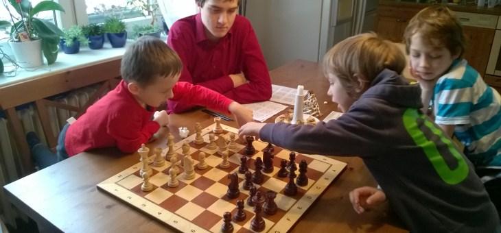 Fotečky ze šachového kroužku 2015/16
