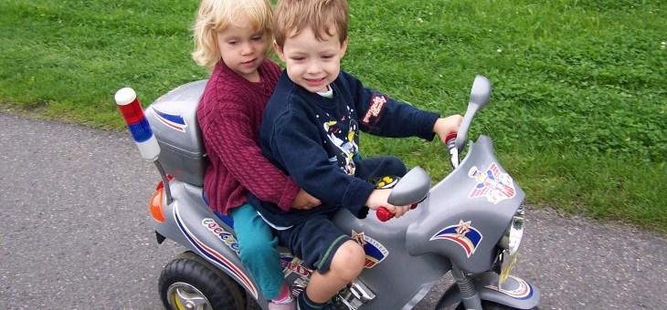Malí velcí motorkáři