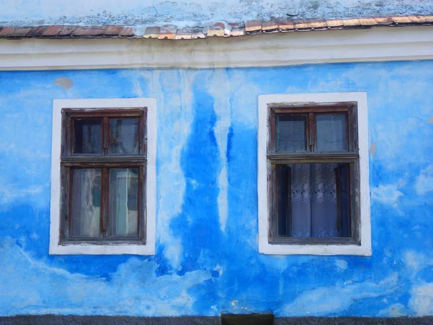 Voyage à vélo en Roumanie - maison colorée