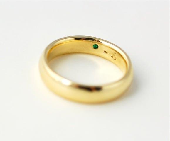 gold-wedding-band