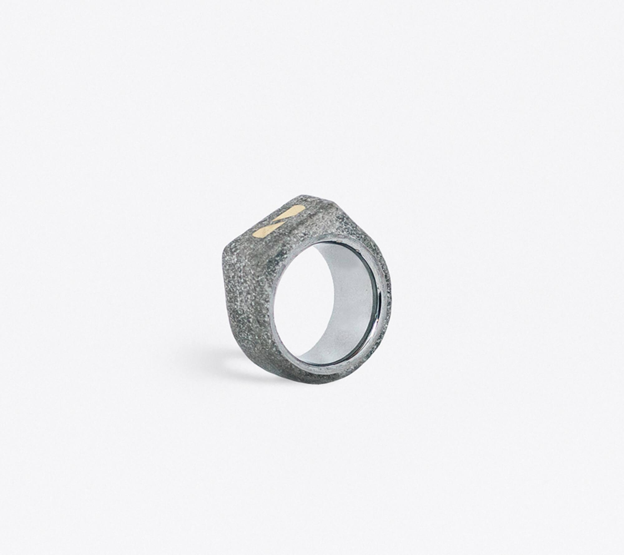 Ring by Yomo Studio
