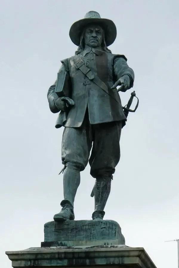 oliver_cromwell_statue_bespoke_genealogy