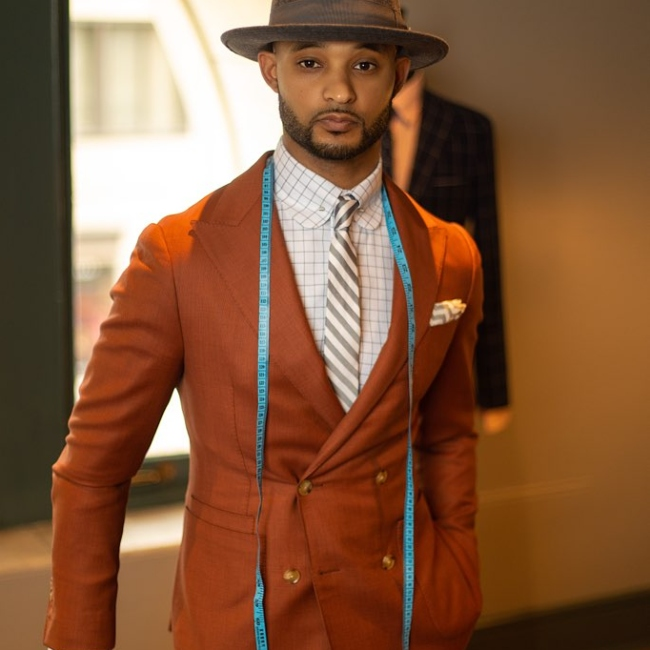 Bringing Convenience & Style To Your Doorstep – Bespoke Suiting