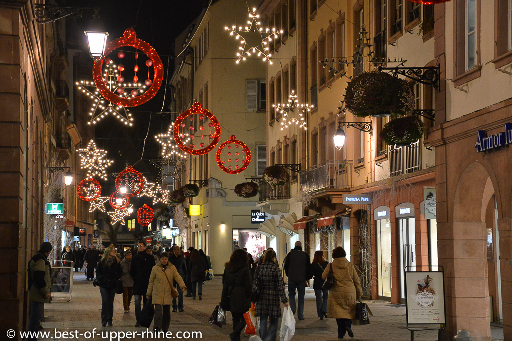In Strasbourg, most of the streets with shops wear a beautiful Christmas decoration