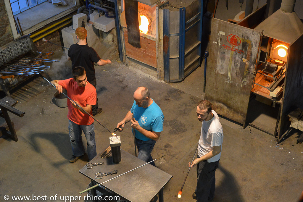 Meisenthal glass blowers at work