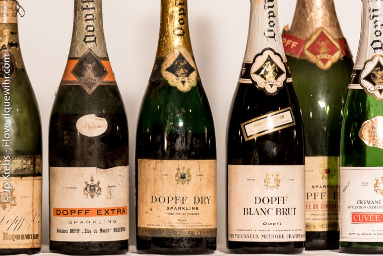Sparkling Dopff Au Moulin between 1930 and 1950. At that time, in the absence of a name, it was difficult to tell the consumer that the wine contained in the bottle was a quality wine.
