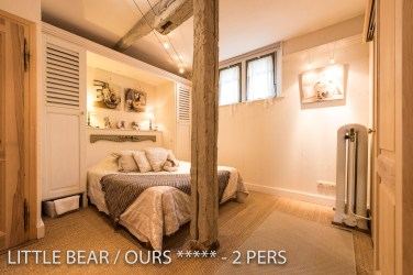 The bedroom with Queen size bed 160x200 cm of the Little Bear, romantic and charming apartment for 2 adults in Riquewihr in Alsace