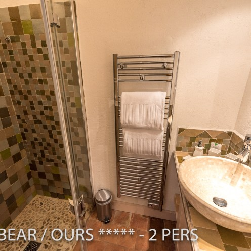 The shower of the Little Bear, romantic and charming apartment for 2 adults in Riquewihr in Alsace