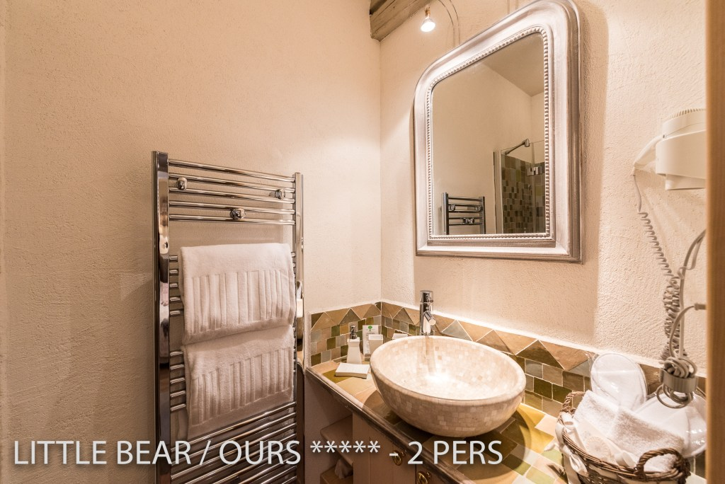 The bathroom of the Little Bear, romantic and charming apartment for 2 adults in Riquewihr in Alsace