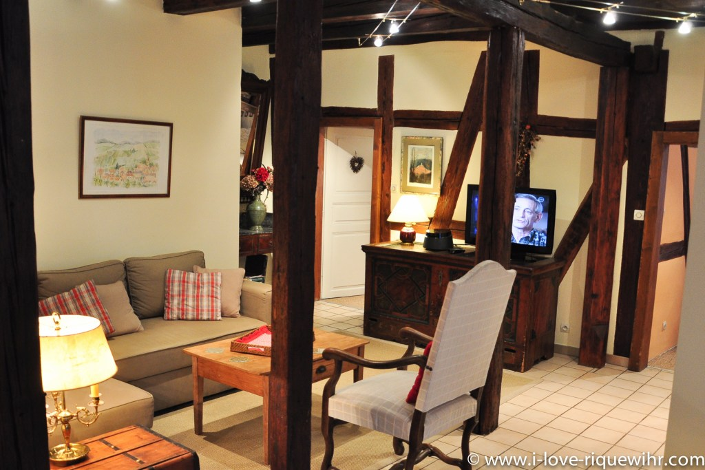 The main room of Riesling in Riquewihr, beautiful and charming apartment for 2-4 adults is located in the medieval heart of Riquewihr in Riquewihr Alsace