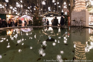 Basel Christmas market at the cathedral, fountain