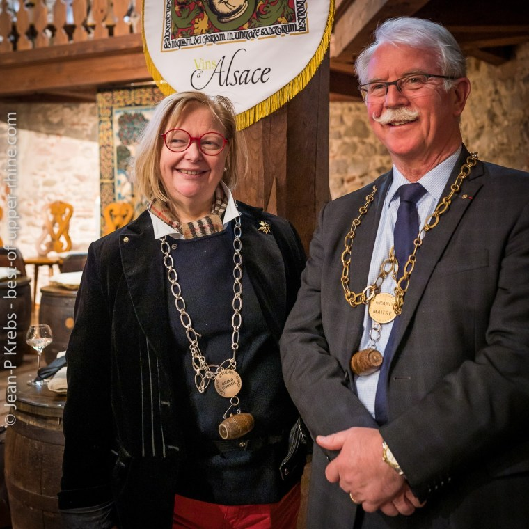 At the Brotherhood of Saint Etienne of Alsace, Martine Becker (left), Grand Master 2018 with Jean-Louis Vézien, new Grand Master 2019