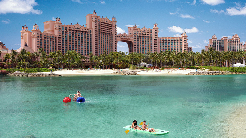 best-reasons-to-stay-at-atlantis-pools-and-beaches