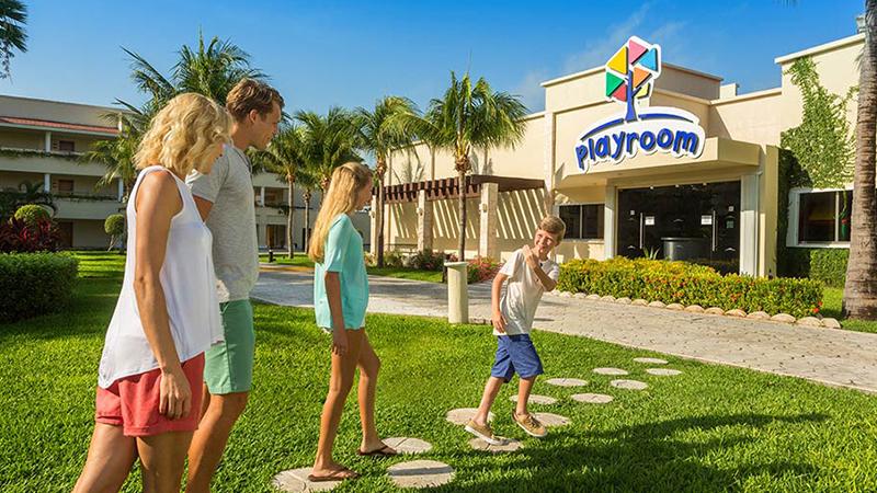 palace-resorts-playroom