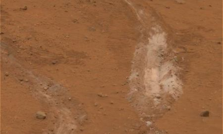 1513852783774 - The search for life on Mars should go underground, scientists say