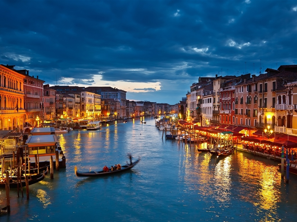 https://i2.wp.com/best-wallpaper.net/wallpaper/1024x768/1202/The-lights-of-Venice-Canal-at-night_1024x768.jpg