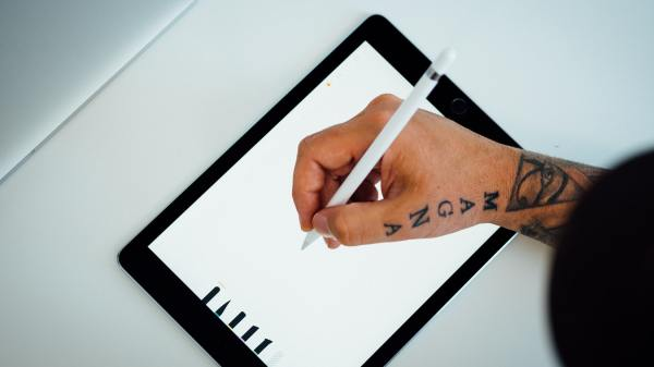 HelloSign VS DocuSign: Electronic Signature Apps Compared
