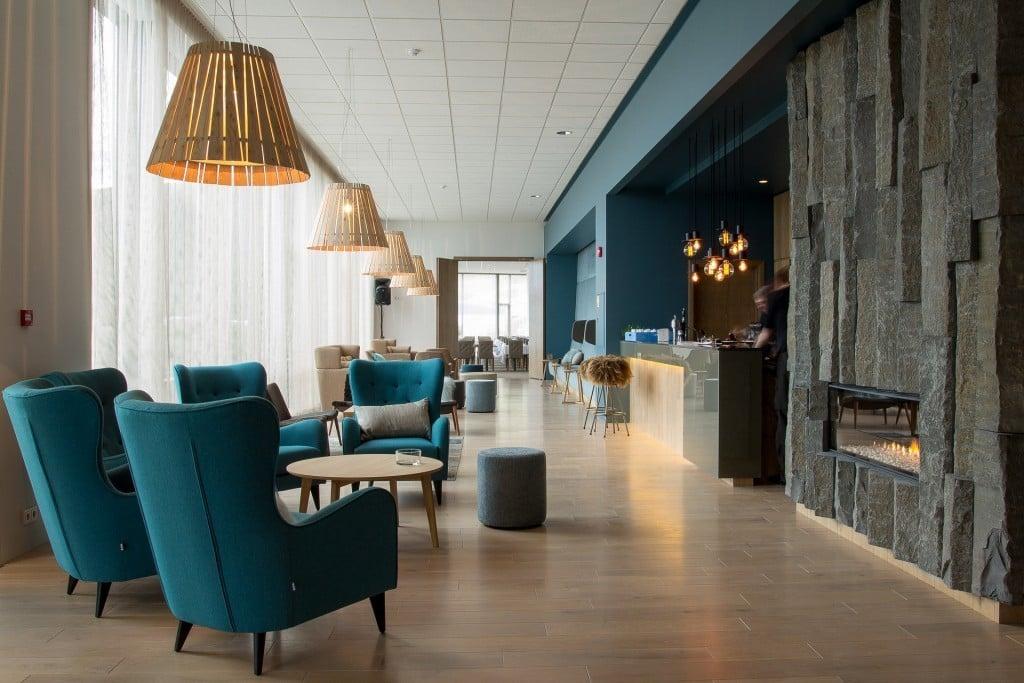 bbed-icelandair-vik-hotel-lobby