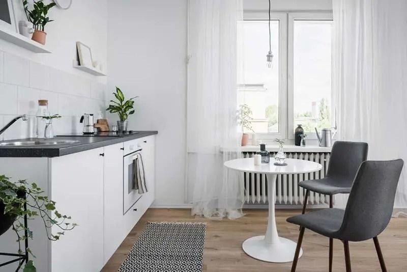 White-kitchenette-with washable kitchen rugs