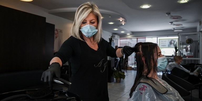 Face à un potentiel reconfinement, les salons de coiffure à nouveau pris d'assaut