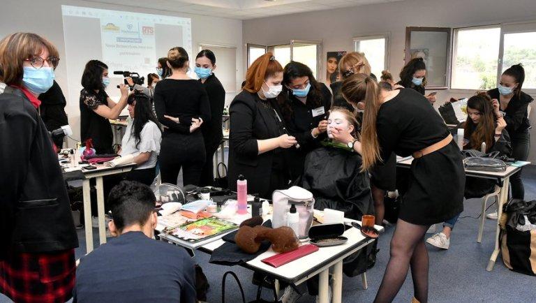 Narbonne : l'école Beauté Coiffure fait son cinéma