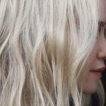 Blond polaire : toutes les inspirations qui vont nous faire prendre rendez-vous chez le coiffeur