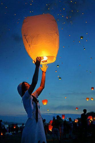 QampA Are Wedding Wishsky Lanterns Allowed In Hawaii Best Day Ever