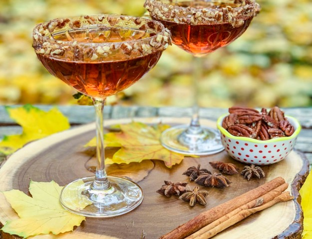 Cranberry Ginger Pecan Martini