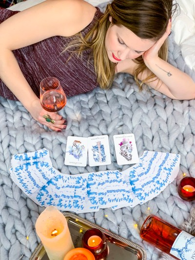 DIY Arm Knit Blanket Turotial