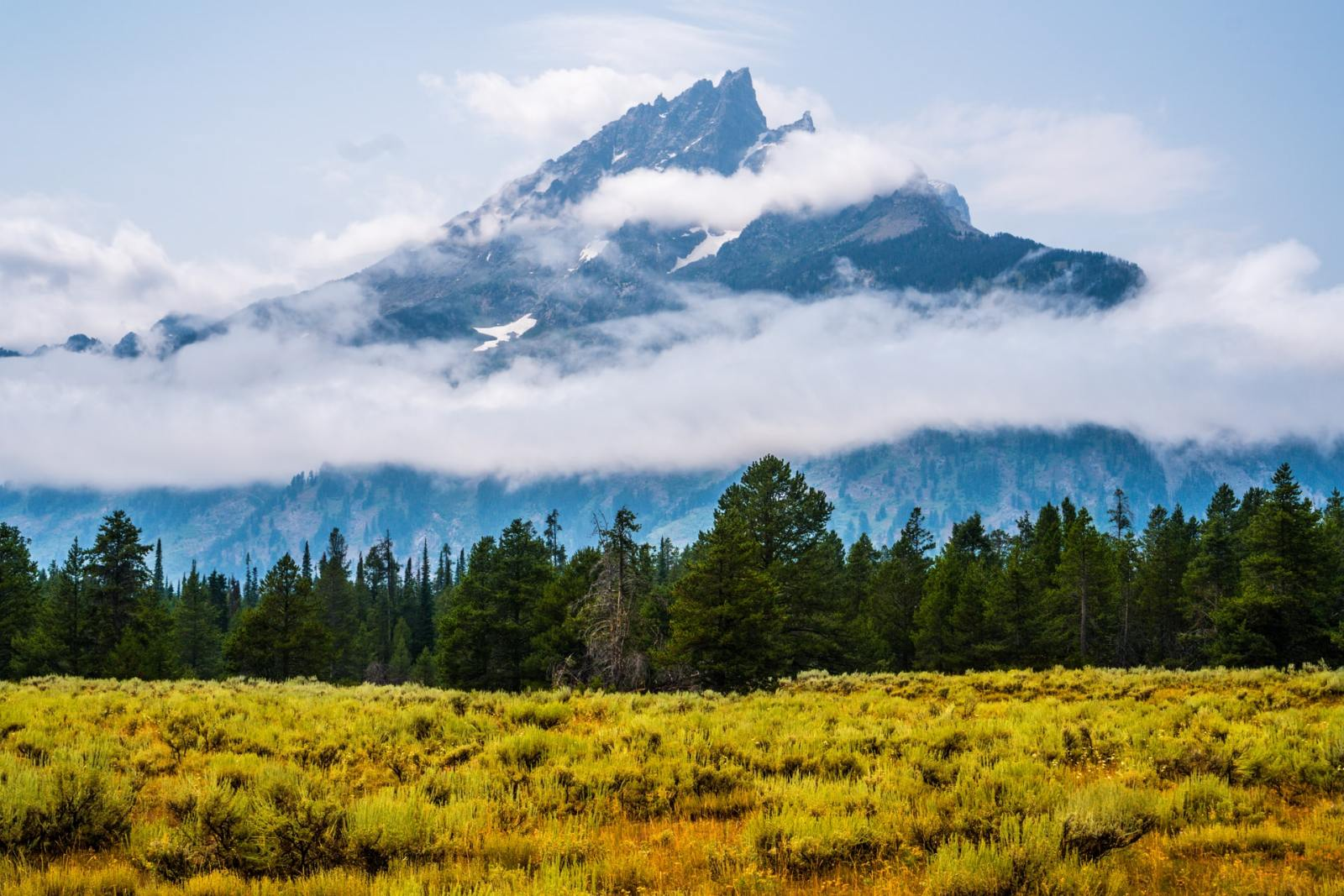 The Best Areas to Stay Near Yellowstone National Park
