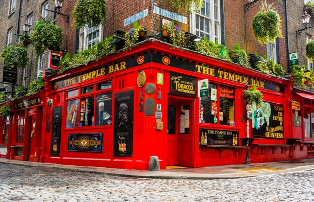 The best area to stay in Dublin for nightlife - Temple Bar