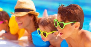 Advantages and Disadvantages of Inclusive Family Vacations