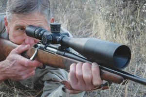 How does a rifle scope work