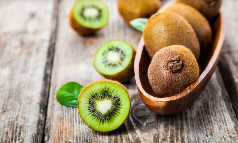 Kiwi to strengthen the immune system - Top 8 most healthy Fruits