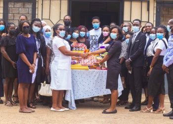 UCC: Law Student Union Donate To Ankaful Prisons And Ankaful Psychiatric Hospital (Photos)