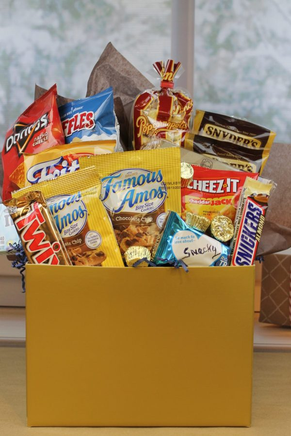 Snacky deluxe snack package product image