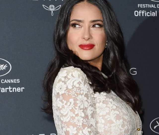 Salma Hayeks Smoldering Eyes And Plump Skin Are Always On Point And This Goes For Whether The Star Is Made Up Or Stripped Down