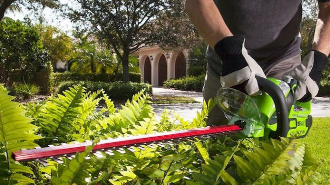 Greenworks hedge trimmer - Best Home Gear