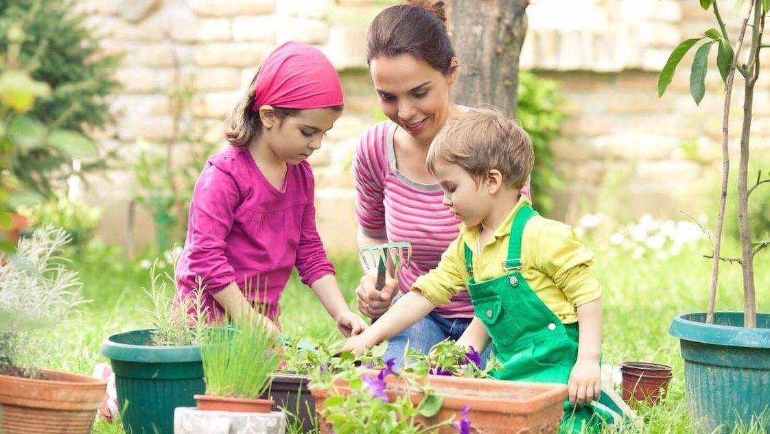 Gardening With Kids - Best Home Gear