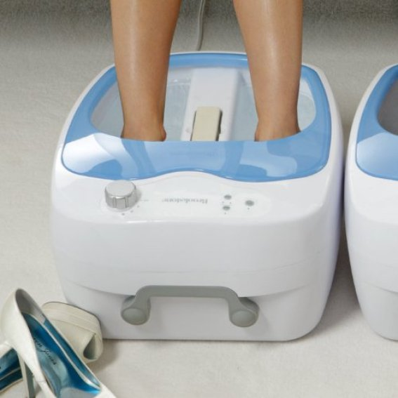 Brookstone Foot Spa With Heated Aqua-Jet