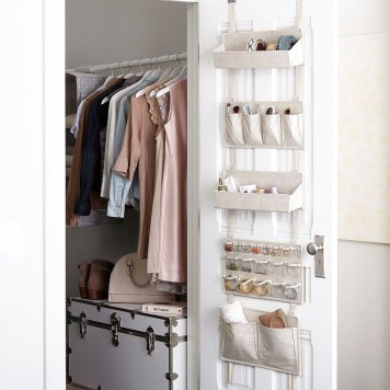 Amazing Closet Room Design Ideas For The Beauty Of Your Storage47