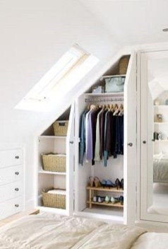 Awesome Bedroom Storage Ideas For Small Spaces35