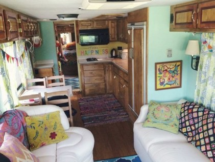 Gorgeous Rv Living Decoration For A Cozy Camping Ideas12