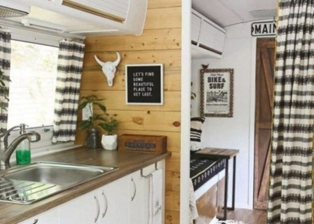 Gorgeous Rv Living Decoration For A Cozy Camping Ideas40