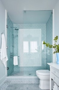 How To Decorate Your Small Bathroom Become More Comfortable And Beautiful03