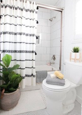 How To Decorate Your Small Bathroom Become More Comfortable And Beautiful48