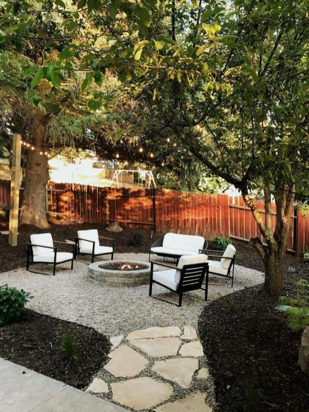 Amazing Backyard Decoration Ideas For Comfortable Your Outdoor45