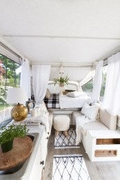 Amazing Rv Living Room Decorating Ideas For Comfortable Trip04